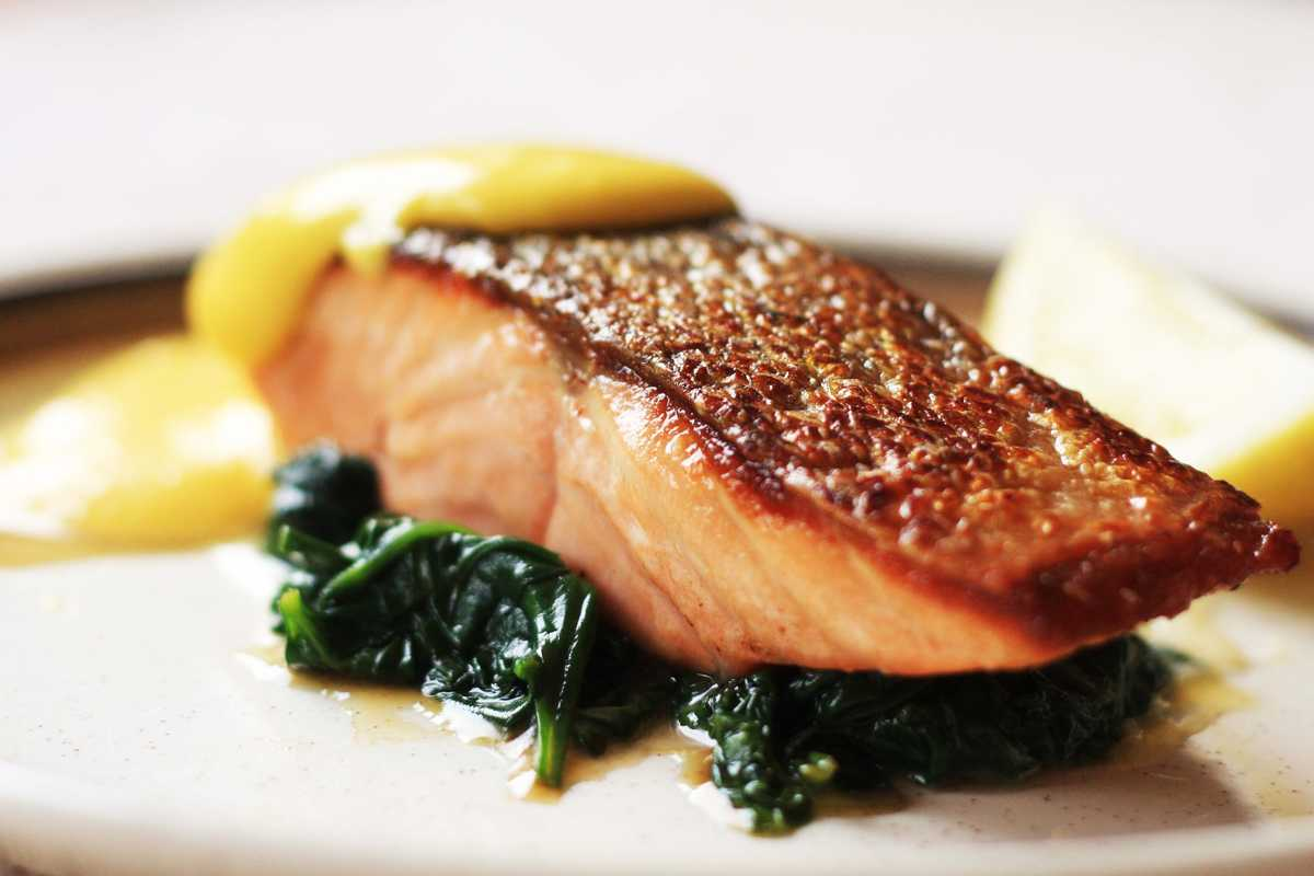 Salmon and Hollandaise Image